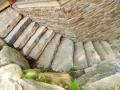 escalier de pierre grosses dalles